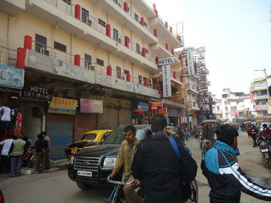 Hotel Hari Piorko: Main Bazar / New Delhi