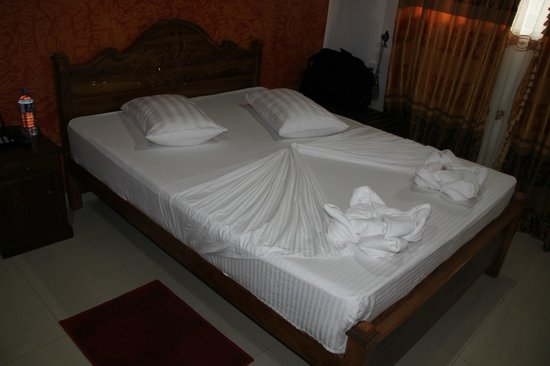 Grand Crown Hotel : Room