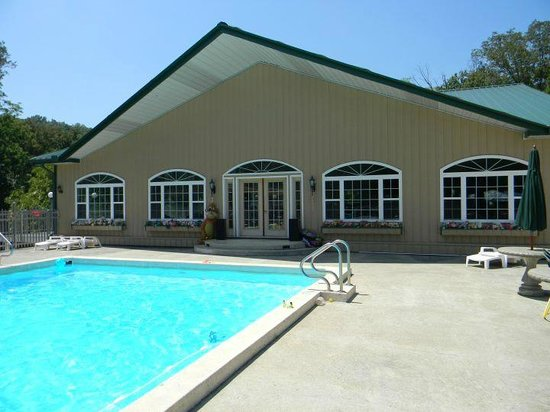 Stover, MO: Club House and Pool