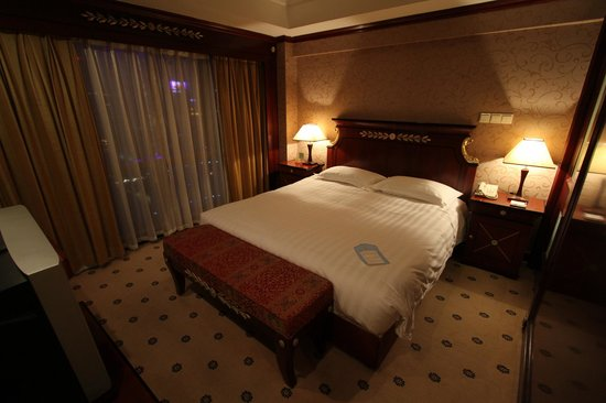 Salvo Hotel Shanghai : Bedroom area