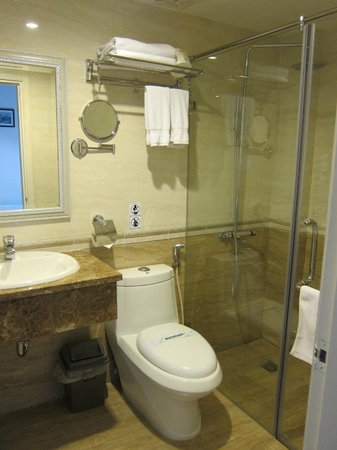 Art Trendy Hotel: bathroom