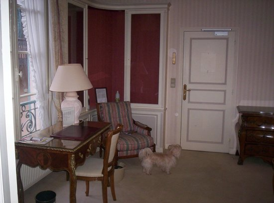 Hostellerie de la Poste : La partie salon/bureau
