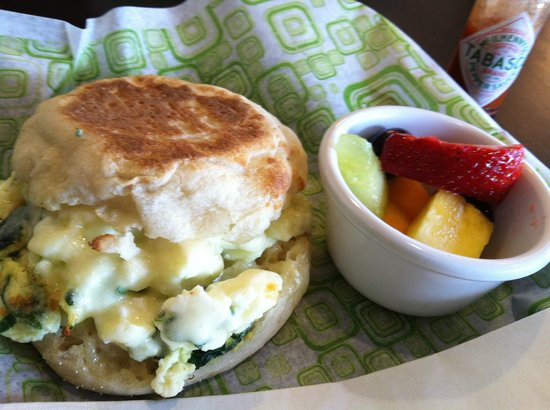 Courtyard Santa Rosa: Breakfast Sandwich