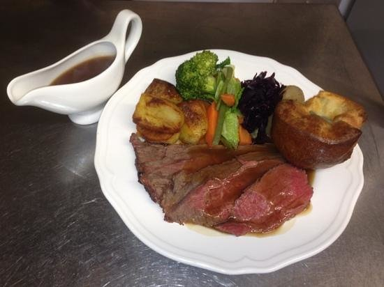 The Red Lion Inn Handbridge: Sunday roast mmmmm