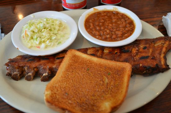 Oakwood Smokehouse & Grill: Ribs, Cole Slaw, Baked Beans
