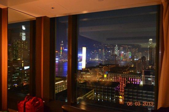 Hotel ICON: окно в мир огней