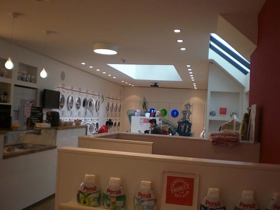 Wash & Coffee: Main counter with chatty table at the back