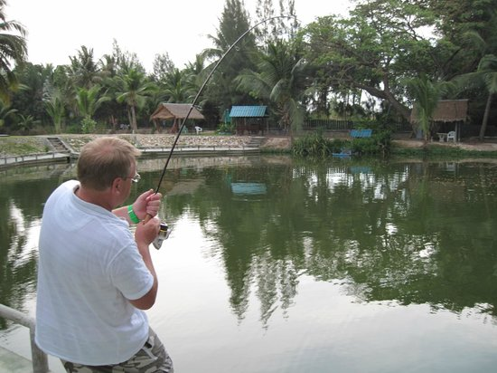 Hua Hin Fishing Lodge : fish on