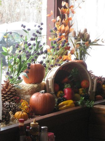 The Stove Restaurant Country Cookin: fall decorated windows