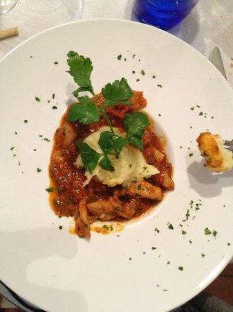 El Sacocin: insalatiera di moscardini con peperoni arrostiti