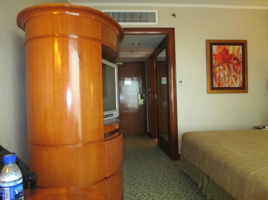 Edsa Shangri-La, Manila: Standard bedroom