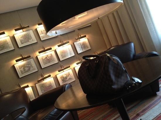 Hotel Fasano São Paulo: Detalhes da decoração do lobby