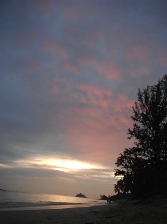 The Hula Breeze: Sunrise on Kailua Beach