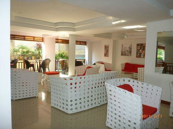Surin Sabai Condominium: Lounge area where wifi is available