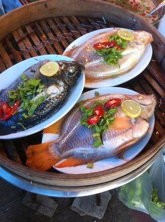 Naka Market: steam fish