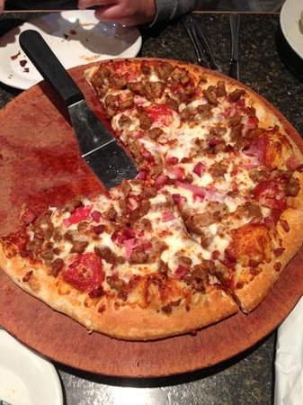 Pizza Hut: meat lovers pizza