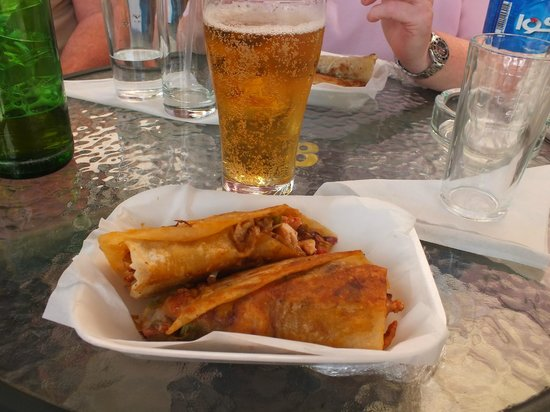 Caffe Moka: Chicken sandwiches (wraps) - very tasty