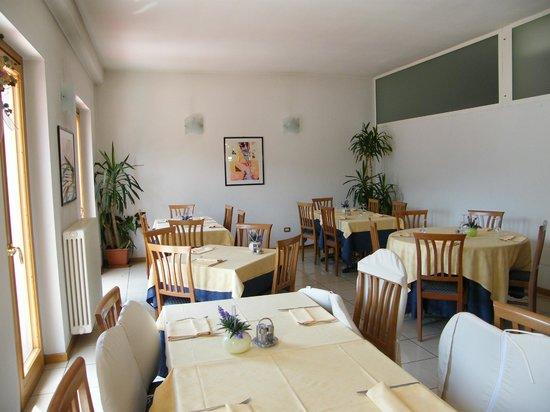 La grande terrazza - Foto di Ristorante Pizzeria Le Vele, Lovere ...