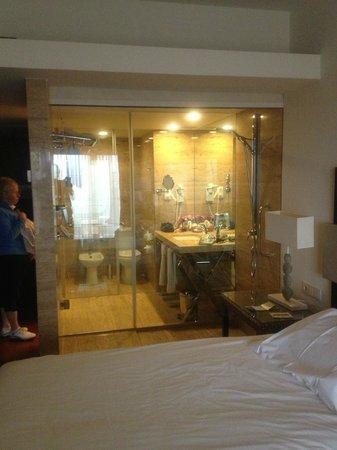 Crowne Plaza Vilamoura - Algarve: An Amazing See-Through Bathroom