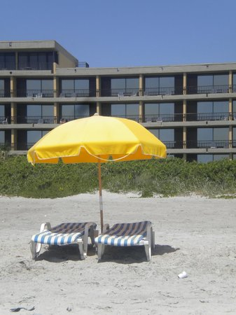 Cocoa Beach: Umbrella And Lounge Chair Rentals