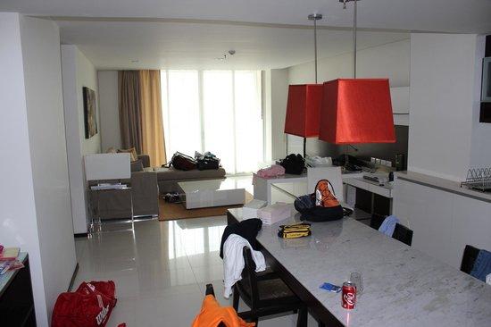 Anantara Sathorn Bangkok Hotel: Hotel room
