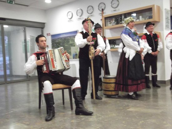 Park Hotel Bled: musica tradizionale nella hall