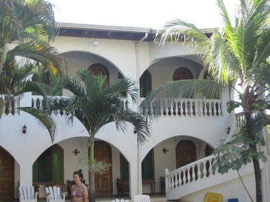 Zullymar Hotel: Beautiful hotel grounds