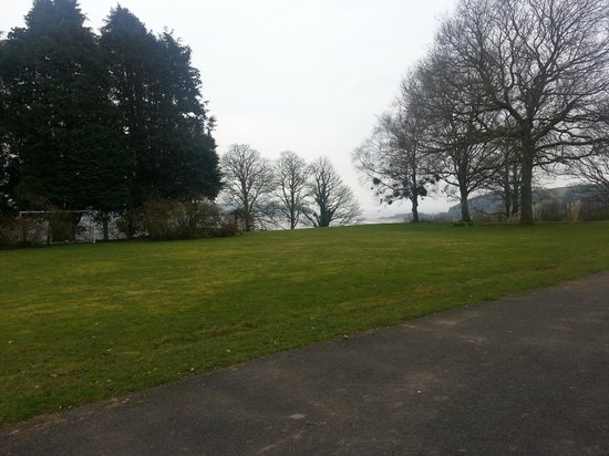 Mansion House Llansteffan: Grounds