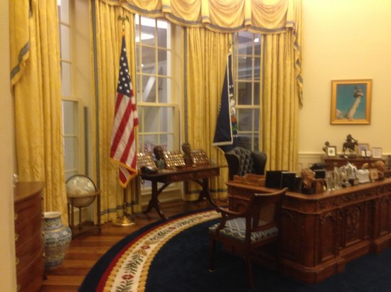 clinton oval office. Perfect Oval William J Clinton Presidential Library Mock Oval Office Intended Office A