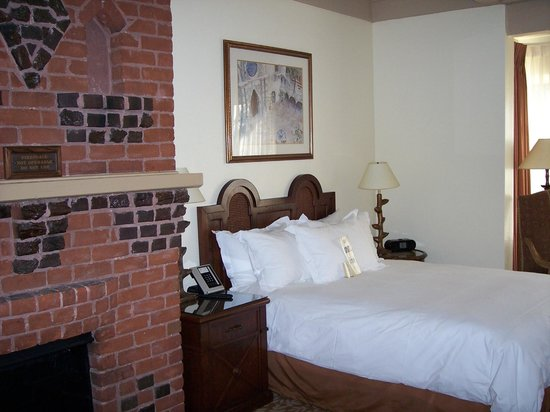 The Mission Inn Hotel and Spa: Standard room2