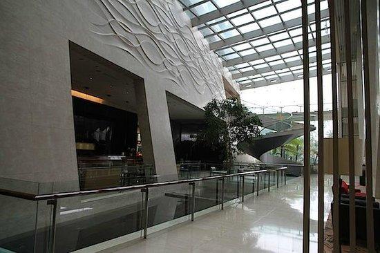 Grand Lobby - Hilton Bandung