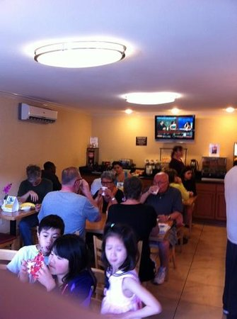 Comfort Inn Near Old Town Pasadena in Eagle Rock CA: breakfast (exzellent )