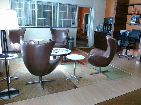 Fairfield Inn Duluth: redesigned lobby