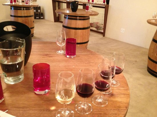 Asara Wine Estate & Hotel : Wine tasting