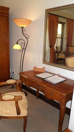 Asara Wine Estate & Hotel: Room