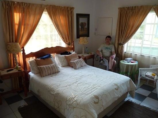 Wayfarers Guest House: bedroom