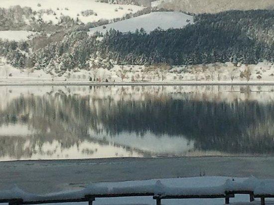 Laceno, Italia: lago ghiacciato