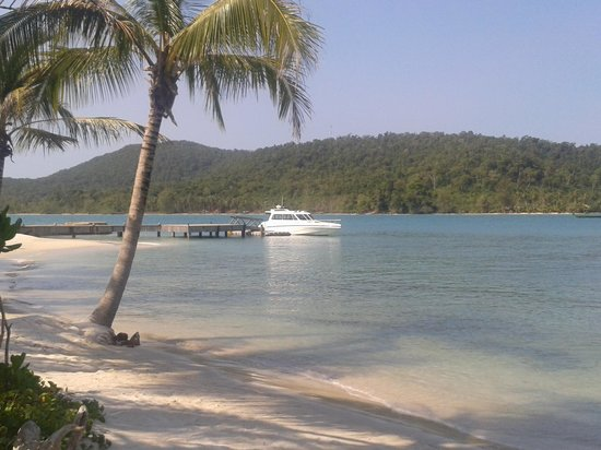 Song Saa Private Island: speed boat in song saa