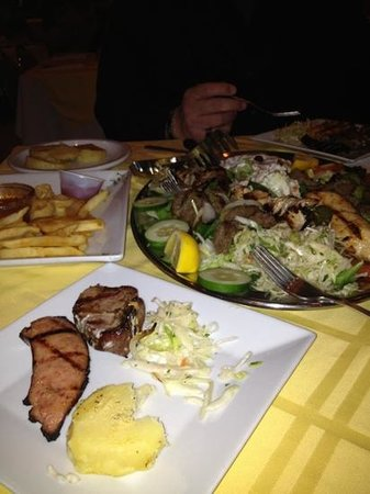 Anna's Greek Restaurant: Mixed grill for 2.