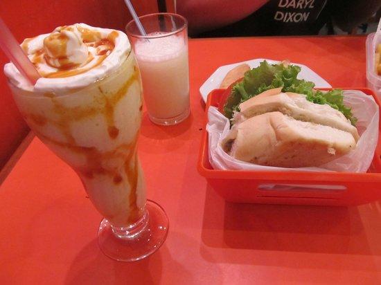 Vicio da Gula: Milkshake de Guavira e X-Jacaré