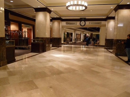 Sheraton New York Times Square Hotel: Le Hall de réception