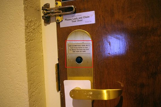 Sturbridge Host Hotel & Conference Center: Non-Functioning Door Lock Mechanism