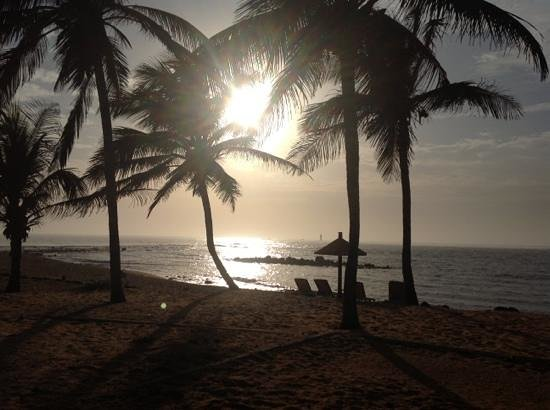 Hotel des Almadies: vista dell'oceano dalla spiaggia dell'hotel