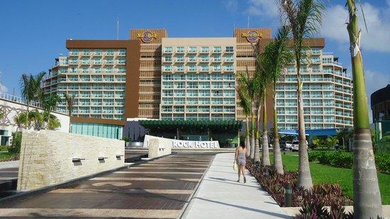 Hard Rock Hotel Cancun: Entrance