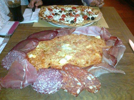 Pizzeria Il Ciocco: Pizza Salumaio