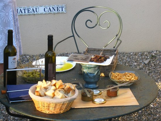 Chateau Canet: Wine and olive oil tasting