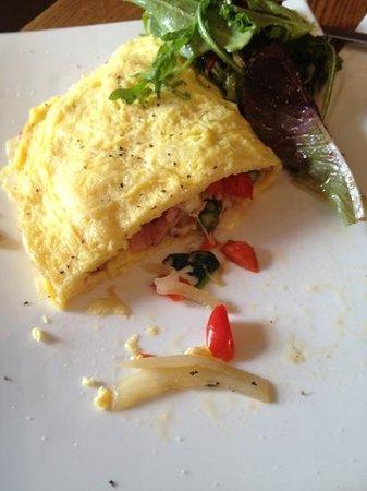 Puro Cafe: chirizo omelet