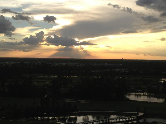 Waldorf Astoria Orlando: The sunset after the rain storm