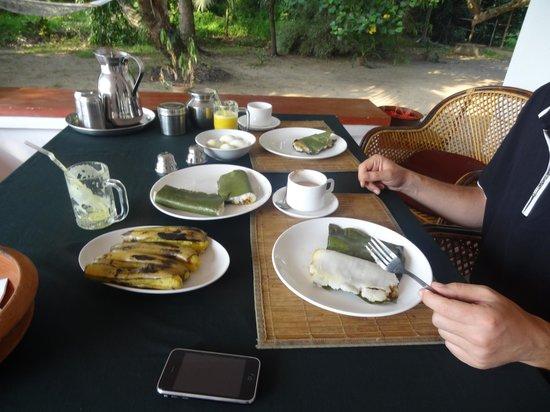 Our Land Island Backwater Resort: Frühstück