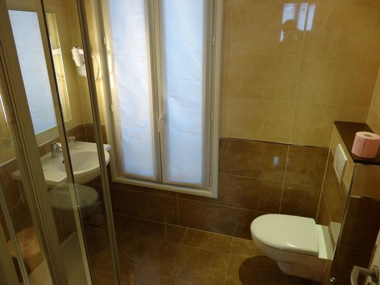 Hotel Bellevue : Bathroom